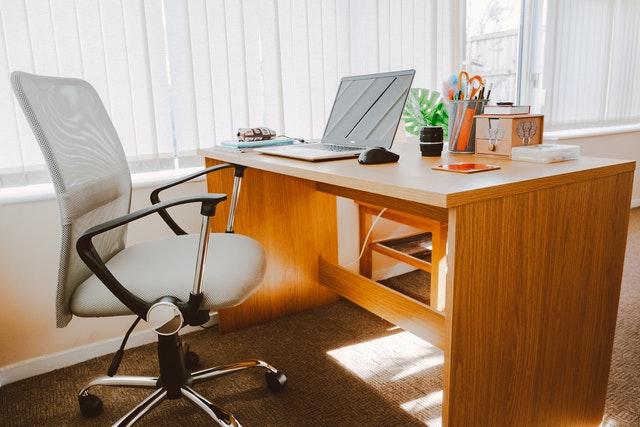 Postura corretta in ufficio